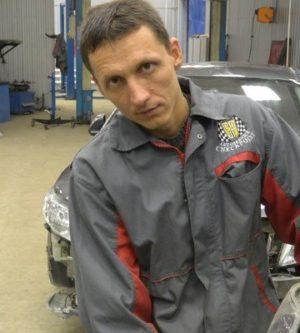 Сотрудник автосервиса ЧекПоинт Чесноков Валерий