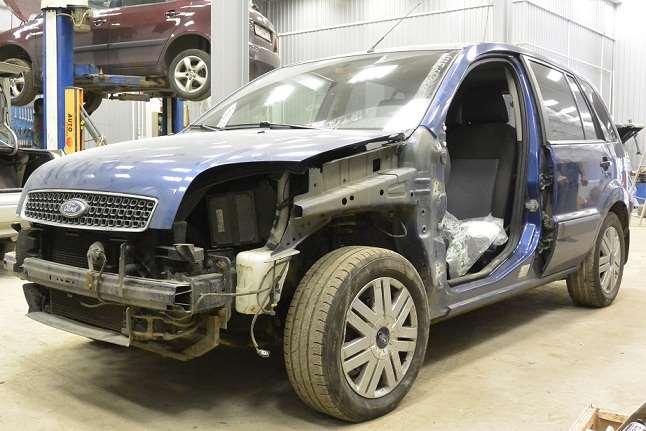 Ремонт и покраска кузова Ford Fusion после ДТП